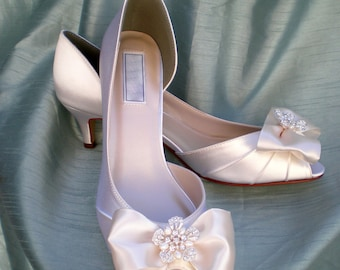 Wedding Shoes Ivory Pearl -- Ivory Wedding shoes -- Low heel