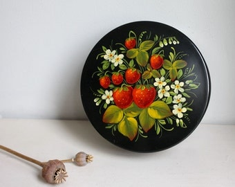 Large Vintage Jewellery Box. Black Russian Lacquered Hand Painted Round Box.