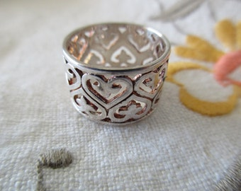 sterling silver hearts ring - wide band, size 6