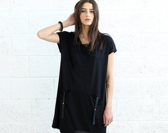 Valentines day T-shirt Dress With Leather Details, Black.