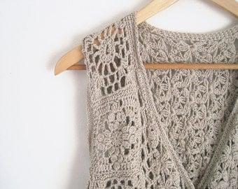 Beige Cream Floral Crochet Top. Sleeveless Crochet Shirt. Crochet Cardigan. Hippie Boho Vest. 90s Cardigan.
