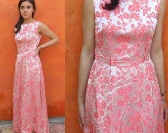 SALE Vintage 1950s 1960s Coral Pink Rose brocade Floor length gown. Prom dress formal evening cocktail party dress. Audrey Hepburn