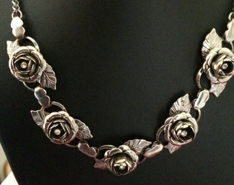 Silver Tone Rose Flower Link Collar Necklace