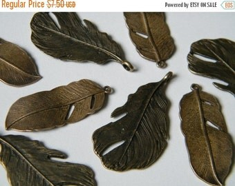 ON SALE 8 x Antique Brass Feathers Bronze Natural Feather Charms Pendants(4 of each)