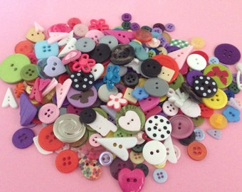 Button Soup -lot 2 assortment of buttons