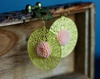 Peach Flower Yellow Earrings Pastel Yellow Floral Earrings Metal Lace Filigree Earrings Round Dangle Earrings Lightweight Earrings - E319