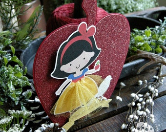 Snow White Apple Invitation