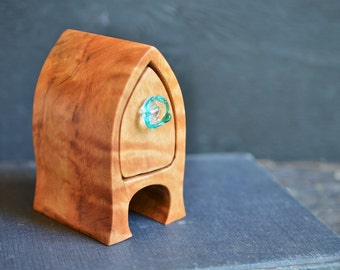 gothic arch ring boxwooden box with aqua teal sculptured glass