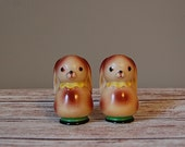 Kitsch Rabbit Salt and Pepper Shakers, Vintage Bunny Shakers, Salt and Pepper Shakers Made in Japan, Porcelain Bunny Shakers with Corks