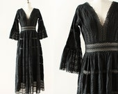 1950s Mexican Dress / Lace and Pintucked Cotton Dress / Black Cotton Lace Dress / 1950s Mexican Wedding Dress / Maxi Dress / Medium 28 Waist