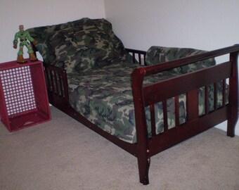 Sta*Put Topper/toddler or crib bedding/coverlet/bedspread/quilt/blanket