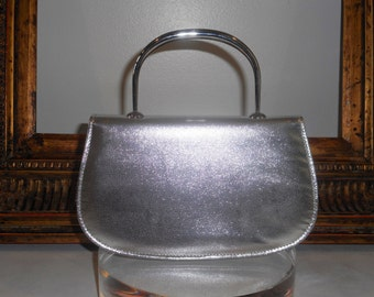 Vintage Late 1960's/Early 1970's Walborg Silver Metallic Evening Bag