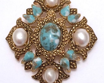 Sarah Coventry Victorian Revival Brooch Pendant