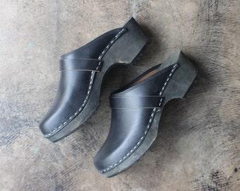 10 Black Leather CLOGS / Vintage Wood Platforms / Women's Slide Shoe