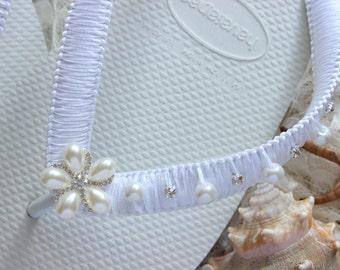 White Bridal Flip Flops, wedding shoes, bridal sandals, beach wedding flip flops, bridal slipper, wedding sandals, white shoes for bride
