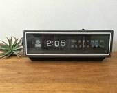 Vintage 1970s GE Clock Radio Rolling Flip Numbers