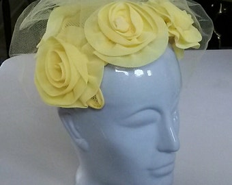 Vintage 1950's SKULL CAP Yellow Hat w/Roses & Veil Size Fits All~Union Made USA