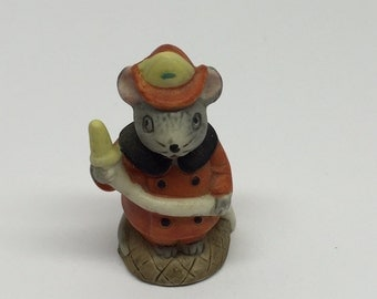 Russ Figurine Fireman Lil' Mouse Town Porcelain Miniature Occupation Mice