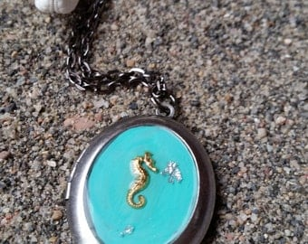 Small Seahorse Necklace-Nautical Jewelry-Locket Necklace-Mermaid Jewelry-Photo Locket-Seahorse Jewelry