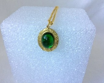 Necklace, Green Stone Pendant,Vintage Green Pendant, Gold Plated Necklace
