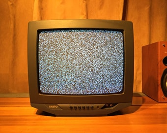 "Sale ! Awesome Sanyo 13"" Color Crt TV Television Perfect for Dvd, Vhs, Nintendo Video Games, Gaming, Gamer, Excellent Like-New Condition"