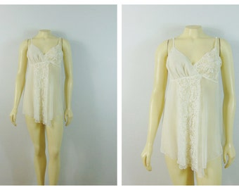 Vintage Nightgown Victoria's Secrets Ivory Lace & Chiffon Nightie Size Medium Fits Modern M - L