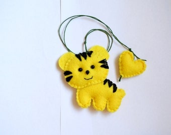 Felt necklace with tiger, Father's Day gift, felt toy, Decorating, gift for child, Personalized Bookmark