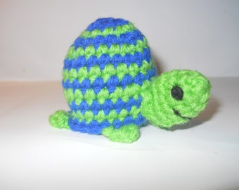 Turtle eos Lip Balm Holder, crocheted lip balm holder, eos holder, crocheted eos holder, turtle lip balm holder, kawaii turtle, key chain
