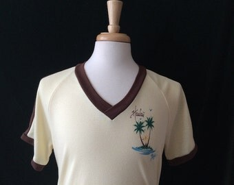 Vintage Retro Hawaii V-Neck Tee