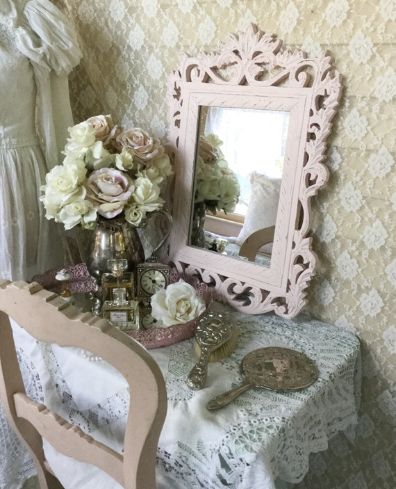 de style shabby fran ais rose rose miroir miroir mural. Black Bedroom Furniture Sets. Home Design Ideas