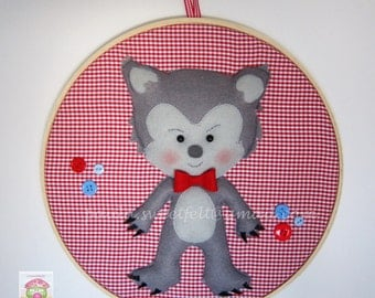 Frames that tell stories - Little Red Riding Hood -  Big Bad Wolf / embroidery hoop art