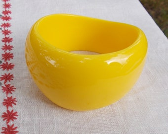 Two 1970s style Chunky Bangles  Retro Bracelets  Striped Faux Wood Pattern  Bright Yellow you get both bangles
