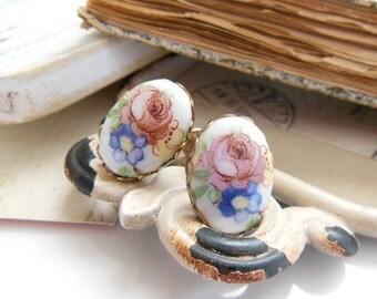 Vintage Pink Blue Yellow Spring Flower Victorian Style Screw Back Earrings SS10