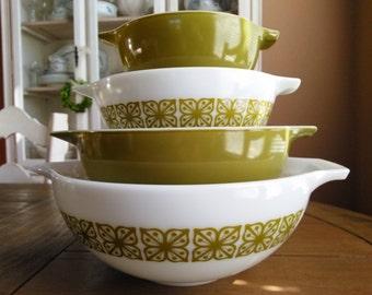 Vintage Pyrex Cinderella Mixing Bowl Set (441, 442, 443, & 444) * Design Green Square Flower * Verde Square Flower * 4 Pyrex Nesting Bowl