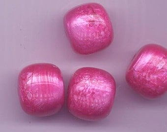 12 awesome vintage lucite beads - 17 x 12 mm - vibrant rich fuschia