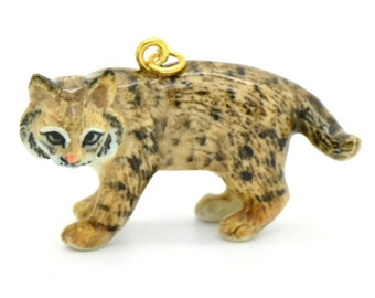 1 - Porcelain Bobcat Pendant Hand Painted Glaze Ceramic Animal Small Ceramic Bob Cat Bead Jewelry Supplies (CA210)