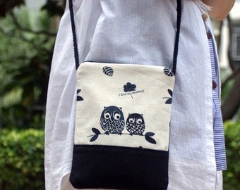 Cell phone bag / Smart phone bag / Shoulder purse / Crossbody bag ~ Black owls (D-06)