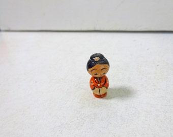 0.8in Vintage Japanese Miniature Wood KOKESHI Doll