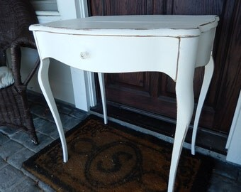 Shabby White Table - Cottage Chic Table - Painted Side Table - Bedside Table - Vintage Nightstand - Side Table - Occasional Table