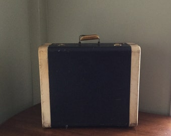 Vintage Navigator by Spelrein Suitcase....Navy Blue with White Trim