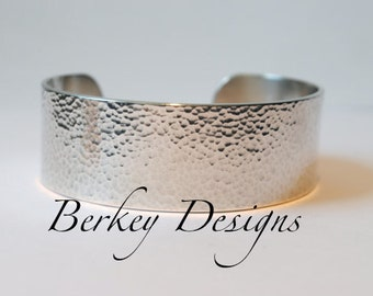 Sterling Keepsake Go Confidently in the Direction Of Your Dreams Live the Life You Have Imagined Custom Secret Message Cuff