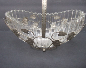 Ornate Glass Silver Metal Center Piece Basket