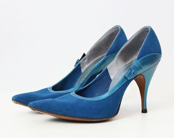vintage 50s shoes / 1950s blue suede heels / suede stilettos / suede and leather buckle heels / jewel tone heels / size 6 shoes