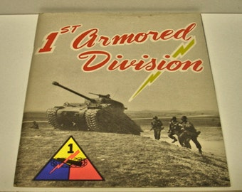 US Army 1St. Armored Division US Military Booklet 1940 to 1950 Army Tanks WWII