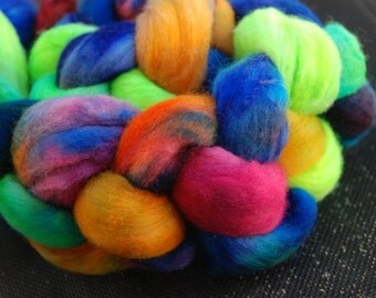 Top handdyed Merino,extrafine, 3,5 oz, colour Papagalo