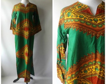 70s Green Dashiki Maxi Dress Vintage Ethnic Floral Print Bell Sleeves Womens Size XS/S Small Cotton Hippie Boho Dresses 1970s African Hippy