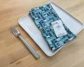 set of 4 100% ORGANIC reversible cotton napkins, retro, kitchen gift, housewarming, hostess gift, blue
