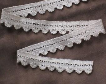 1 Yard Ecru Cotton Drawnwork & Woven Lace Trim - Antique Vintage Supplies - NOS - Sewing, Crafting, Doll Making - Farmhouse, Cottage