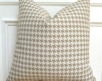 Houndstooth pillow cover. Taupe and cream houndstooth pillow cover  - 18 inch