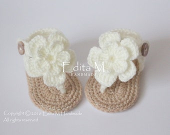 Crochet baby sandals, baby girl gladiator sandals, baby slippers, ivory, gift for baby, baby shower, flower sandals, 0-3 months, 3-6 months